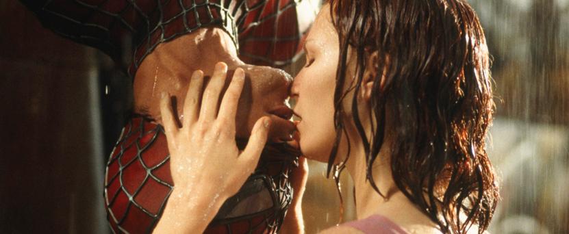 dia do beijo homem aranha