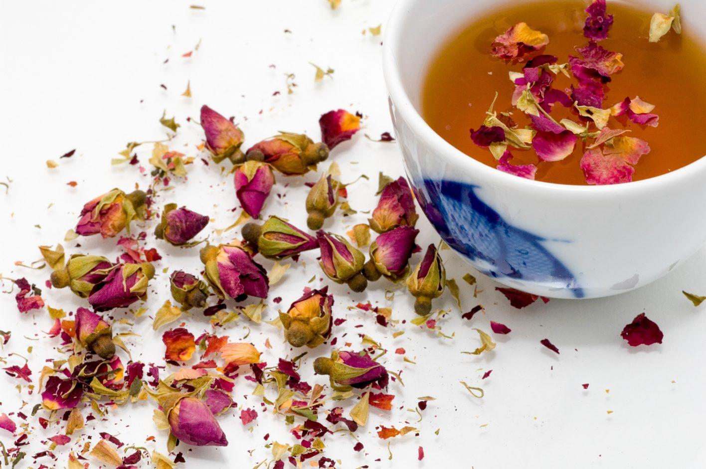 04 benefícios de tomar chá todos os dias