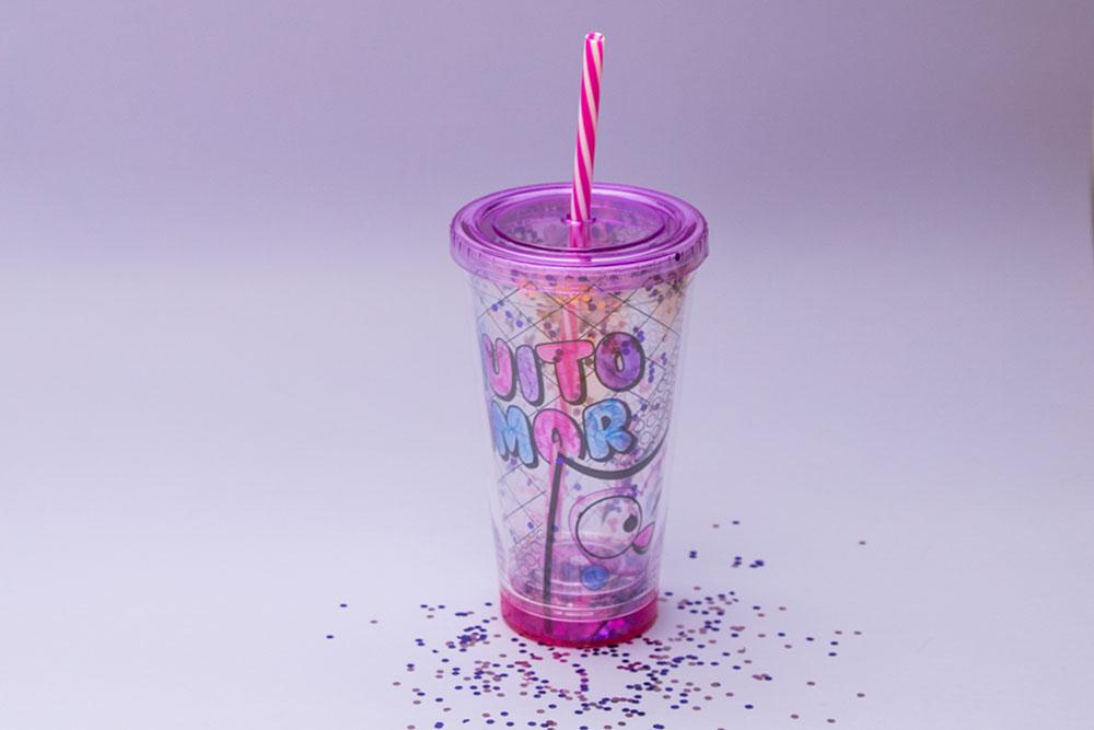Faça você mesmo: copo canudo pra colorir e se divertir